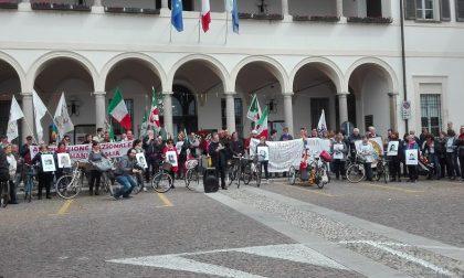 """Corteo 25 aprile sui marciapiedi, il Pd: """"Occuperemo le strade"""""""