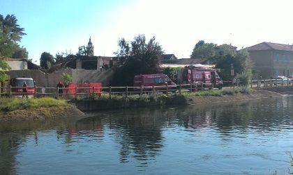 Allarme a Castano per un'auto finita nel canale Villoresi - Guarda il VIDEO