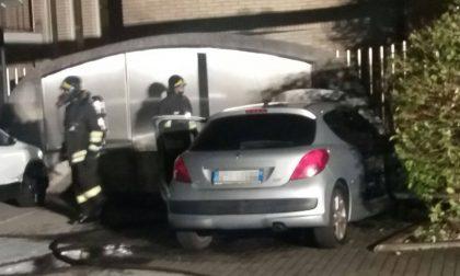 Legnano, auto in fiamme vicino ai contatori del gas