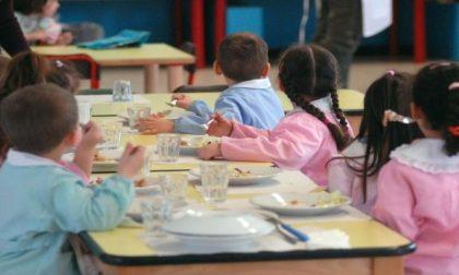 Baranzate, non pagano la mensa, per i figli solo pane e frutta a pranzo