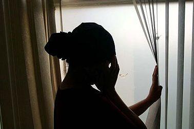 Buscate, maltratta la madre: 17enne finisce in carcere