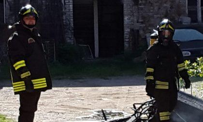 Busto Garolfo, 81enne cade in casa, resta a terra per due giorni. Lo salvano i vigili del fuoco volontari di Inveruno