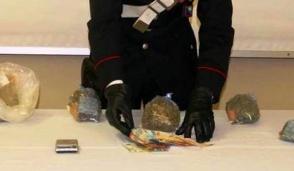 Carabinieri fermano spacciatore 21enne del Legnanese: in casa 700 grammi di marijuana