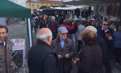 """Castano Primo, l'Amministrazione incontra i cittadini in piazza: """"Ecco cos'abbiamo fatto"""""""