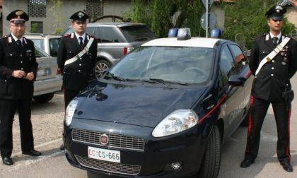 Cerro Maggiore, anziana cade in casa: i carabinieri sentono le urla, rompono la finestra e la salvano