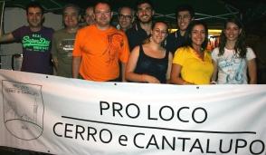 Cerro Maggiore: minacce all'ex don oggi a Corbetta, tutti in piazza per solidarietà