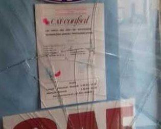 Corbetta, sassi contro le vetrine della Lega