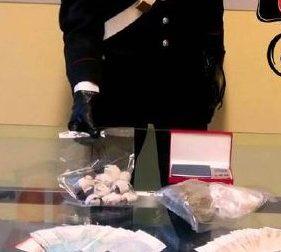 Dal Piemonte a Morimondo per comprare la droga: due in manette