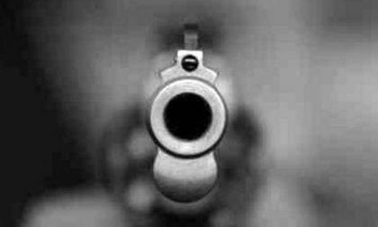 Rapina a mano armata in tabaccheria: in fuga con 800 euro