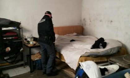 Hotel dei disperati nell'ex CMR di via Mattei