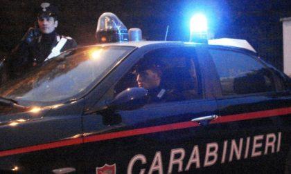 Legnanese, manda un sms alla moglie e cerca di uccidersi:salvato dai carabinieri