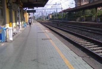 Legnano, Scoppiano petardi sul treno: bloccati dalla Polizia