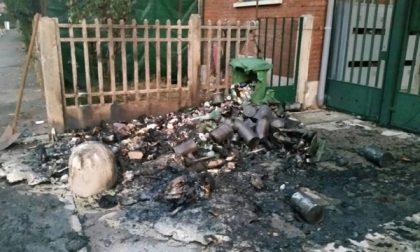 Legnano, cassonetti in fiamme nelle case Aler