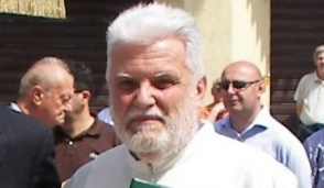 Magenta, l'ex parroco don Mario Magnaghi va in missione in Brasile a 75 anni