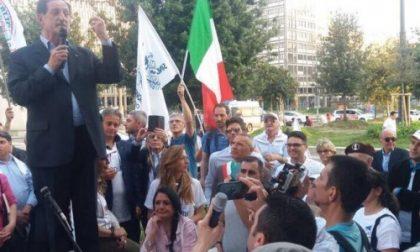 """Mantovani e """"Noi Repubblicani"""" manifestano in stazione Centrale"""