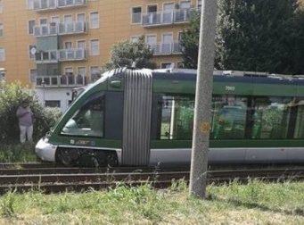 Milano, Deraglia un tram sulla linea 15: disagi per i pendolari