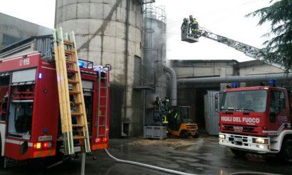 Pogliano, incendio in una falegnameria: un operaio ustionato