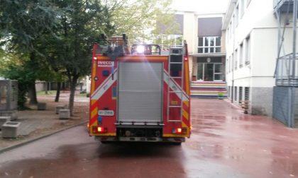 Rho, Pompieri  alla scuola Federici, tutto risolto
