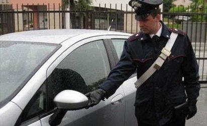 Rescaldina, Tenta la truffa dello specchietto: arrestato dai carabinieri