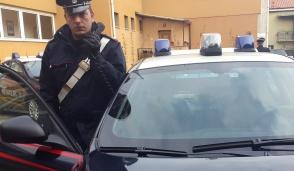Rescaldina, rubano alcolici e le nascondono sotto i vestiti: arrestate ladre 20enni