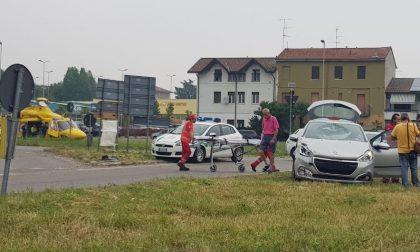 Rho, Ennesimo incidente alla rotonda maledetta: grave un 28enne - GUARDA IL VIDEO