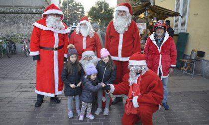 Rho, Il Sindaco diventa Babbo Natale e gira in moto