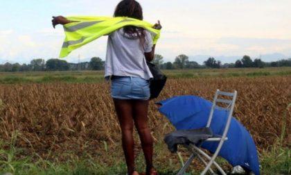 Rho, prostituta di 16 anni picchiata a bastonate da due connazionali: salvata dalla Polizia