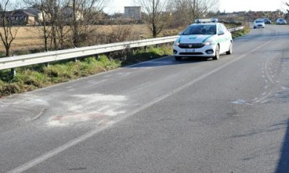 Rosate, scontro moto-auto: centauro perde la gamba. Gravissimo al Niguarda