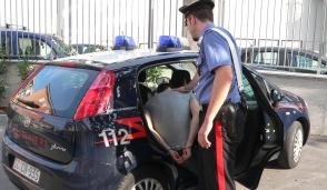 Senago: carabinieri liberi dal servizio bloccano cliente e spacciatore
