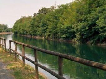 Si tuffa nel canale in piena notte: paura a Buscate