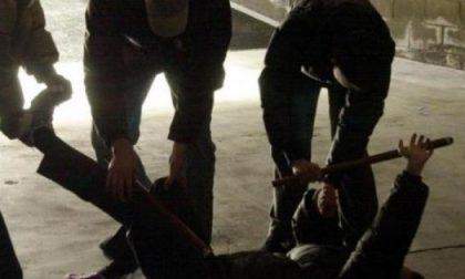 22enne pestato da una banda di ubriachi