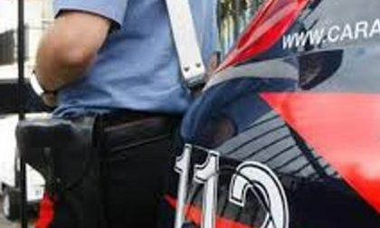 Turbigo, bimba di 3 anni si allontana da casa e cammina lungo la Sp34: salvata dai carabinieri