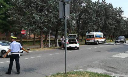 Ciclista investita in via Santa Crescenzia a Magenta