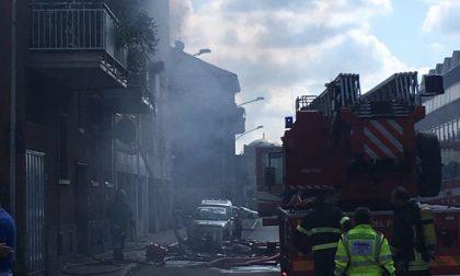 Incendio in un appartamento, inquilina colta da un malore