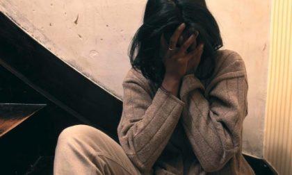 Minaccia la madre e spacca gli arredi: ragazzo arrestato