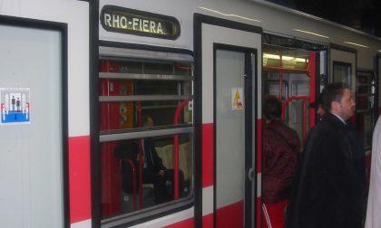 In metro senza biglietto, pugni al controllore