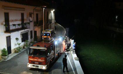 Bimbo morto nel Naviglio, il cordoglio del paese