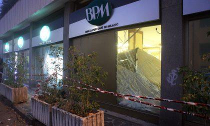 Bancomat assaltato a Gaggiano: due esplosioni e ingenti danni