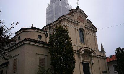 Il tempo a Carbonate si è fermato: parte il restauro del campanile