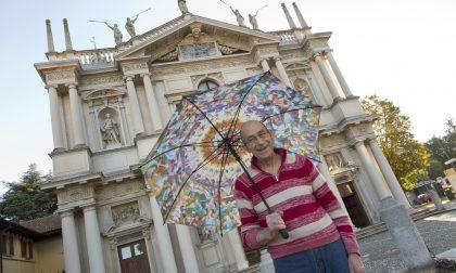 Cupola ombrello per aiutare il Santuario