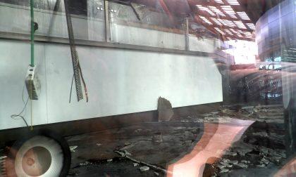 Vandali incendiano il centro Famila di Arluno