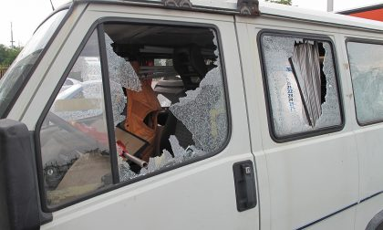 Distrusse furgone Cobas a mazzate: assolta la guardia giurata