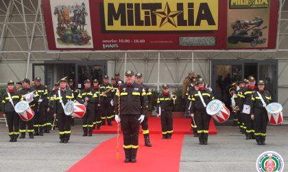 Banda dei Vigili del fuoco suona a Militalia 2017