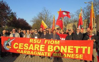 Sciopero sotto Regione Lombardia per i lavoratori dell'ex Bonetti