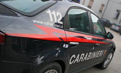 Provoca un incidente e scappa, bloccato dai carabinieri