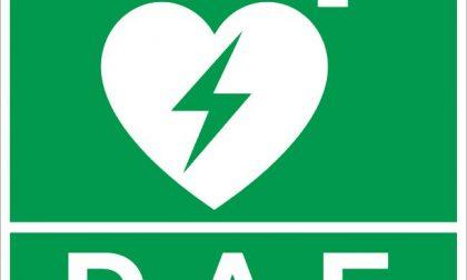 Defibrillatori nelle scuole grazie ad aziende e privati