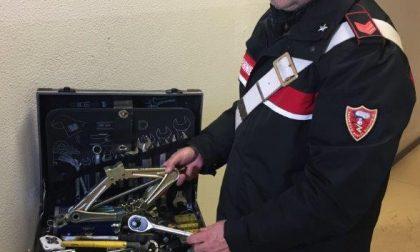 Ladro di ruote sorpreso dai carabinieri e arrestato