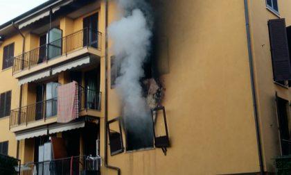 Incendio in una palazzina a Rovello Porro VIDEO