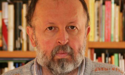 Il lonatese Ernesto Restelli, professore e scrittore, presenta la sua ultima opera