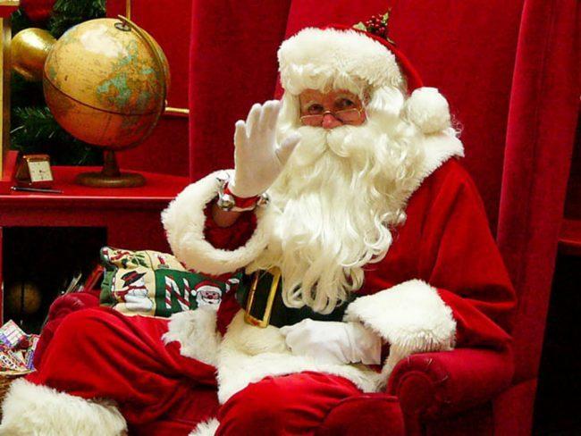 Visita Babbo Natale.Babbo Natale A Domicilio Con La Croce Viola Settegiorni